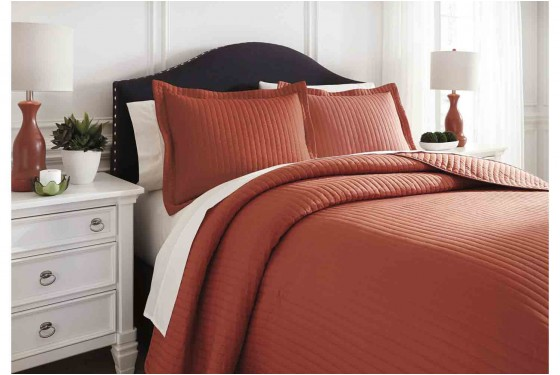 Raleda Orange King Coverlet Set Media Image 2
